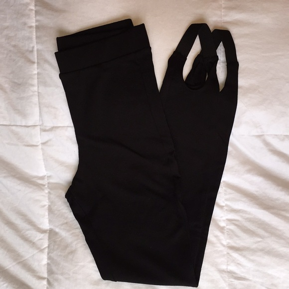 Forever 21 Pants - NWOT Forever 21 Black Stirrup Leggings